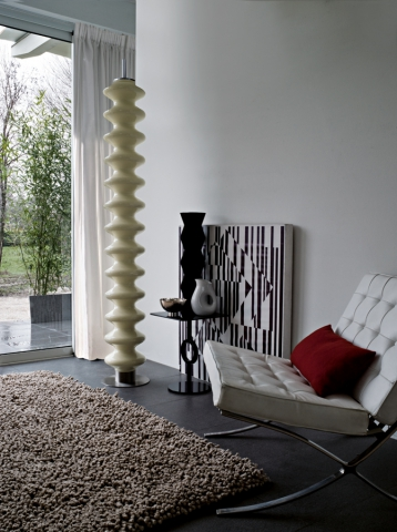 tubes radiateur design et contemporain lectrique ou eau. Black Bedroom Furniture Sets. Home Design Ideas