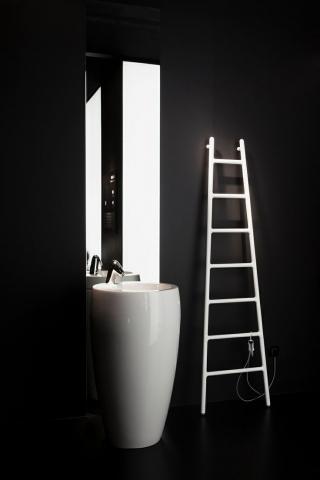 tubes radiateur design et contemporain lectrique ou eau. Black Bedroom Furniture Sets. Home Design Ideas